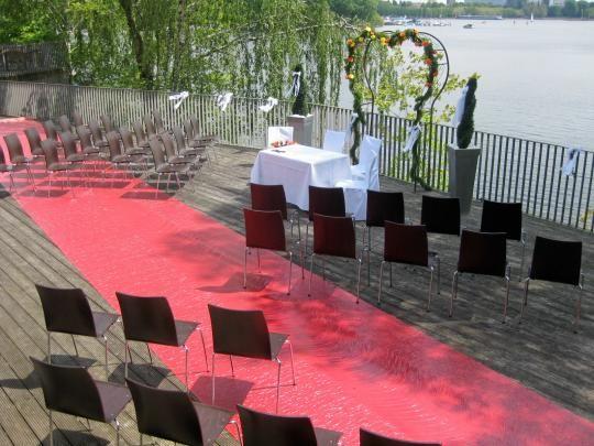 Beispiel: Trauung Terrasse, Foto: SeePavillon am Tegeler See.