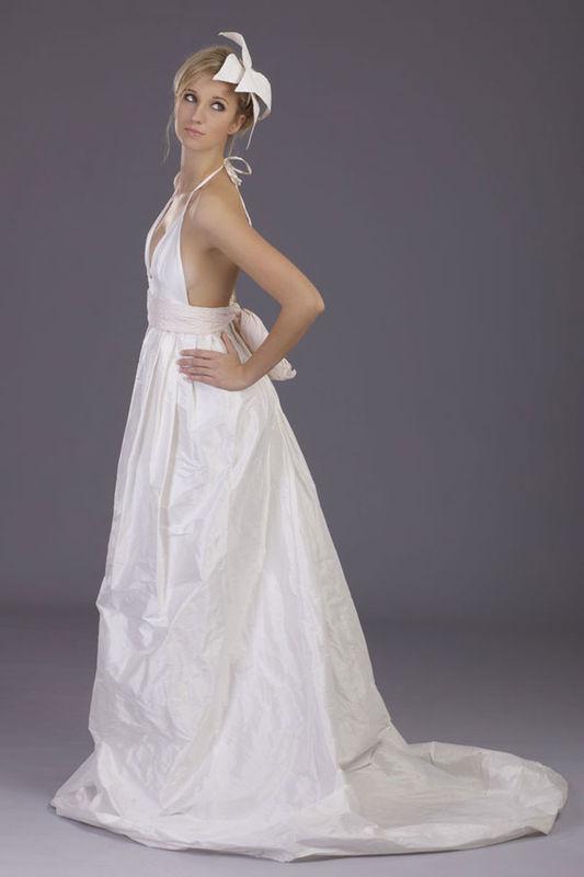 Beispiel: Individuelle Brautmode, Foto: cees.fashion.