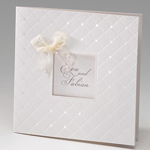 Beispiel: Hochzeitseinladung in Weiß, Foto: Der-hochzeitskartenshop.de.