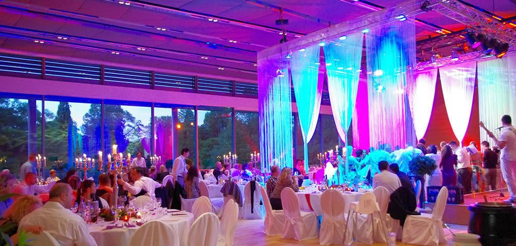 Beispiel: Auf der Suche nach der perfekten Hochzeitslocation, Foto: Herbig Wedding.