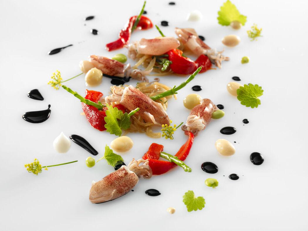 Compotée d'oignons, supions et salicornes