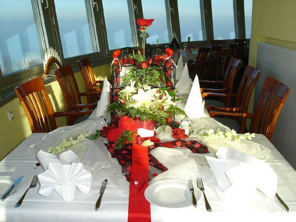 Beispiel: Tischdekoration, Foto: Schweriner Fernsehturm.