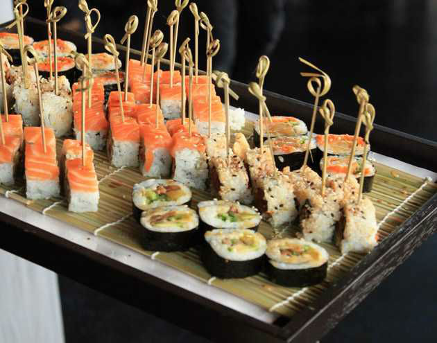 Beispiel: Leckeres Fingerfood, Foto: First Catering.