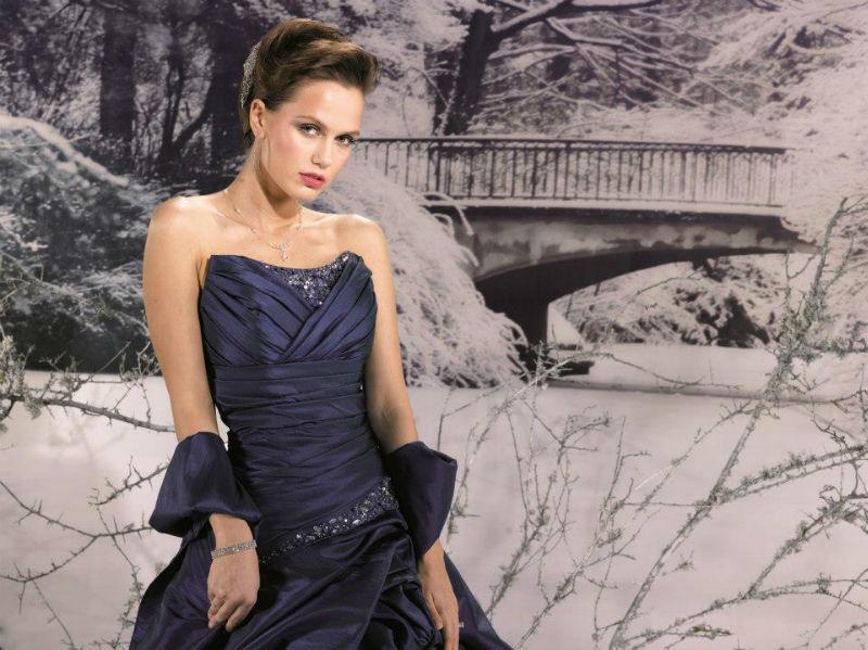 Beispiel: Abendkleider, Foto: Brautmoden Center Stefanie.