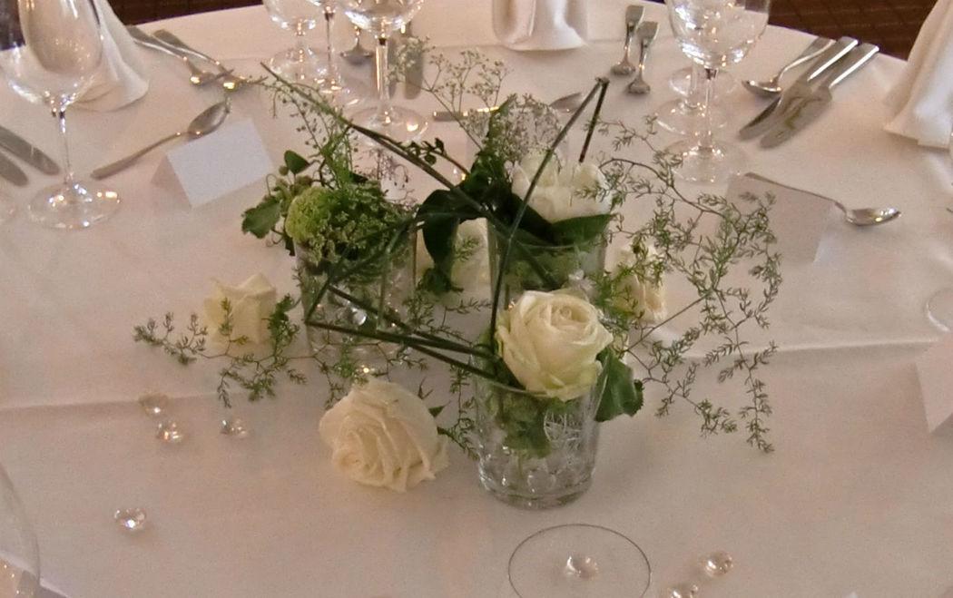 Beispiel: Hochzeitsfloristik, Foto: Blumen Loos.