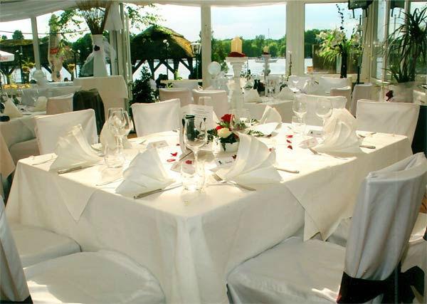 Beispiel: Hochzeitsgedeck, Foto: Hotel Restaurant Igel.