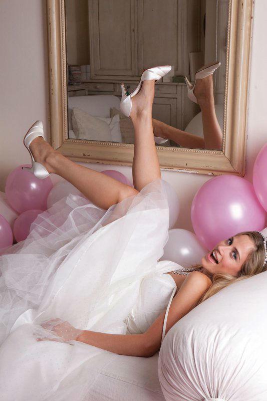 Beispiel: Brautschuhe, Foto: Silhouette.