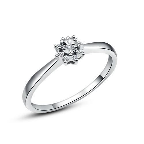 Beispiel: Verlobungsring Gold mit Diamant, Foto: Designer Diamonds München.