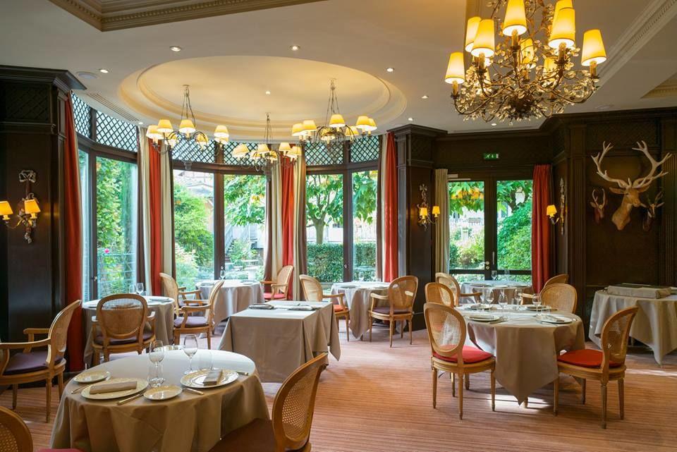 Le restaurant gastronomique Le Corot