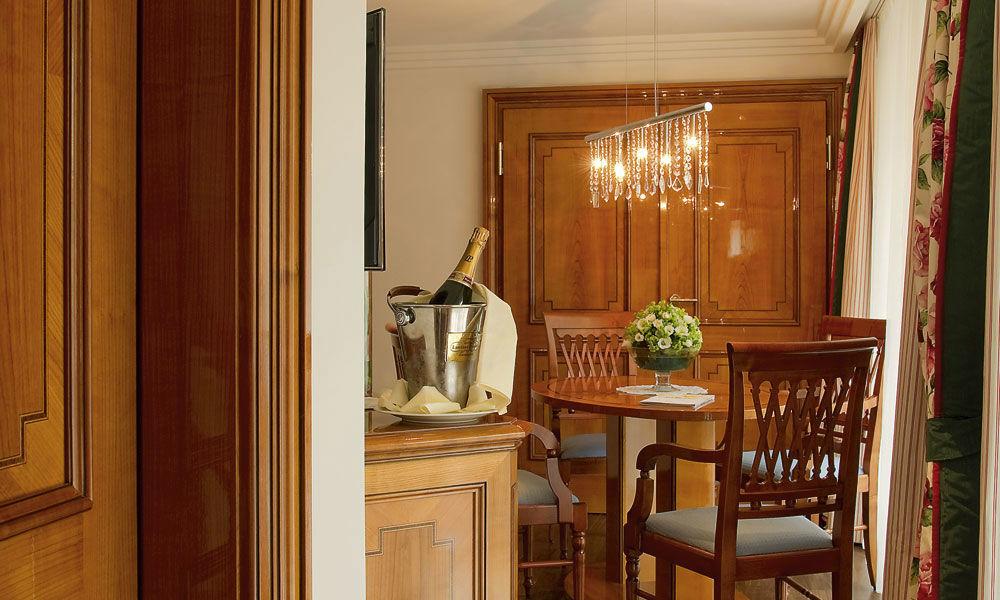 Beispiel: Hotelzimmer, Foto: Dollenberg Schwarzwald Resort.
