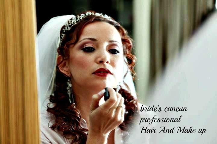 Somos un grupo de profesionales capacitadas, para resaltar tu belleza en cualquier evento especial.