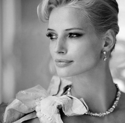 Beispiel: Brautmode, Foto: Brautparadies Thun.