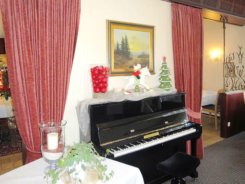 Beispiel: Klavier, Foto: Hotel Restaurant Diegner.