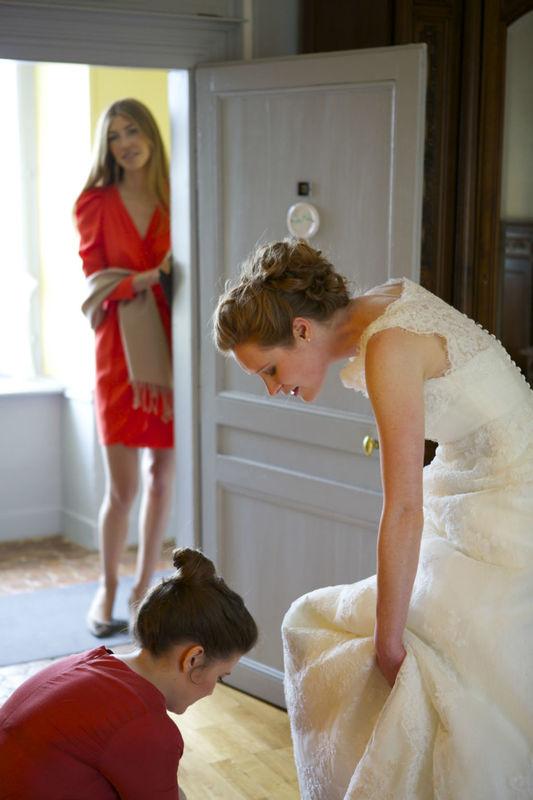 Agence Evolutionpréparatifs de la mariée.