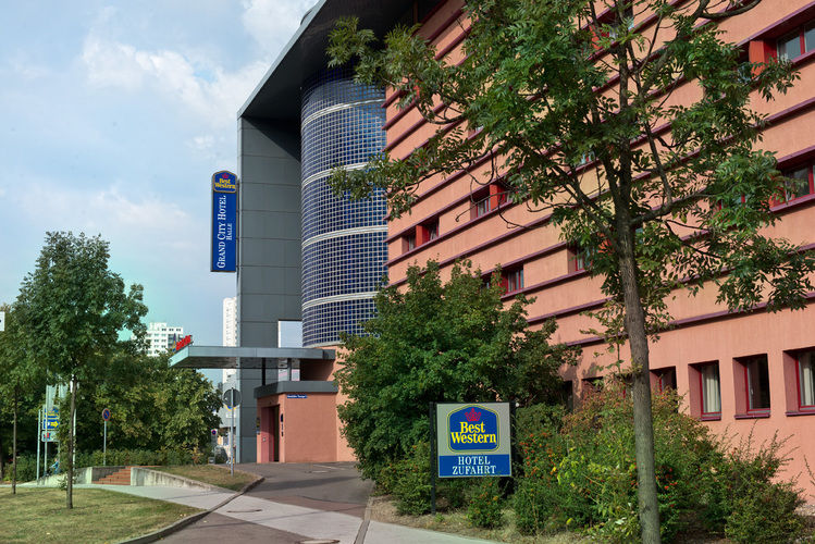 Beispiel: Seitenansicht, Foto: Grand City Hotel Halle.