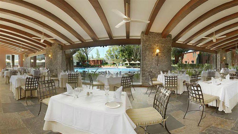 Restaurante Los Hules Hacienda Jurica by Brisas
