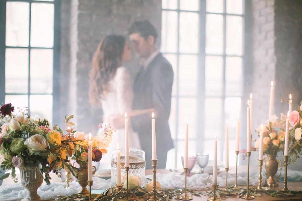 Наши бокалы, подсвечники и вазы на творческой фотосессии. Совместный проект с командой instagram.com/@zakharova_wedding и instagram.com/@kristina_bloom_ministry
