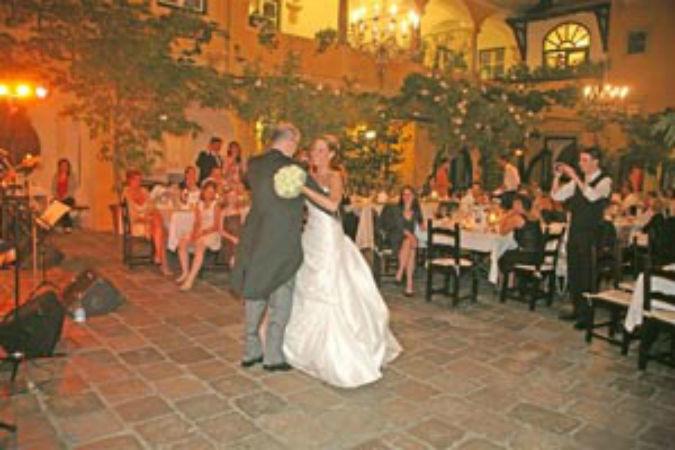 Beispiel: Hochzeitsband, Foto: FourandMore.