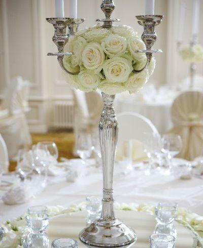 Beispiel: Florale Tischdekoration, Foto: Blumenzauber.