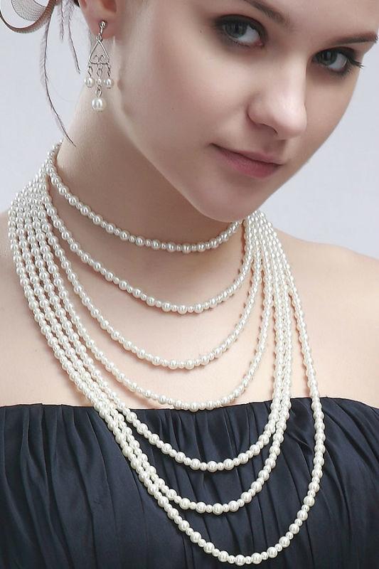 Beispiel: Schmuck, Foto: Prinzessin Brautmode Accessoires.