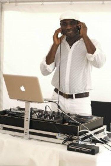 Beispiel: Ihr Hochzeits-DJ,Video: DJ Wilson.