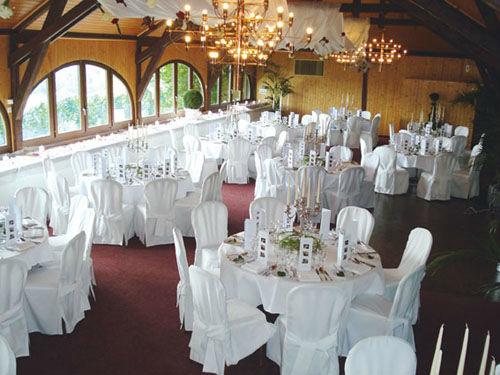 Beispiel: Hochzeit mit Panoramablick, Foto: Halbinsel Au.