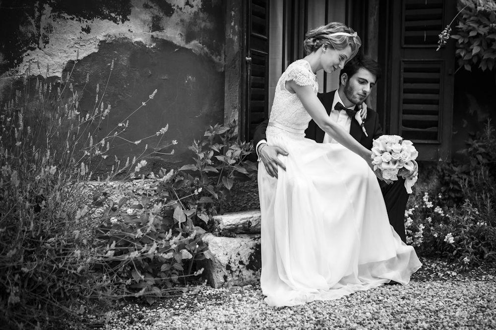 Abito e cerchietto creati su misura in atelier tutto firmato Casa della Sposa Verona. Consulente sposa: Simonetta