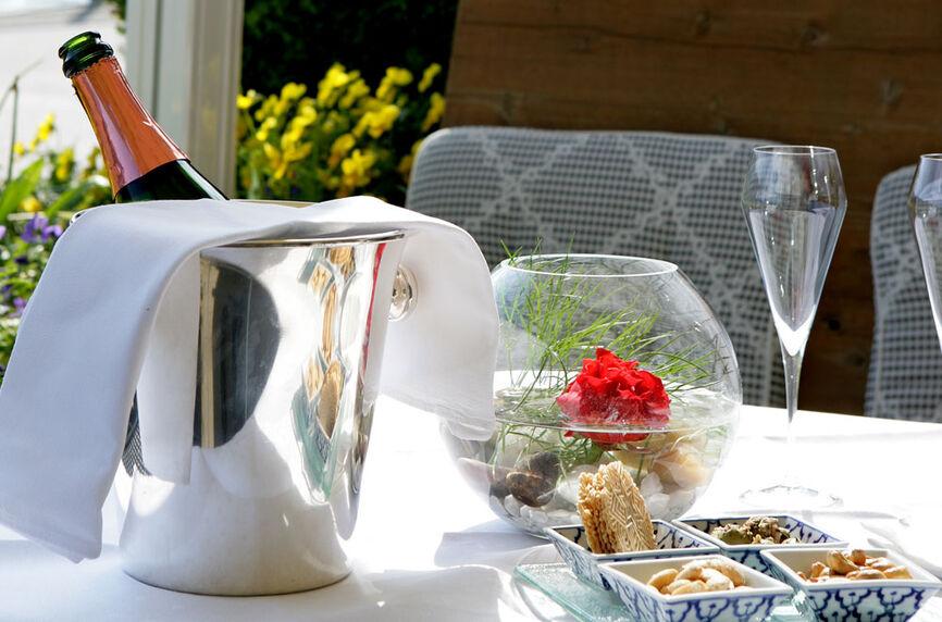 Beispiel: Terrasse, Foto: Rheinhotel Fischerzunft.
