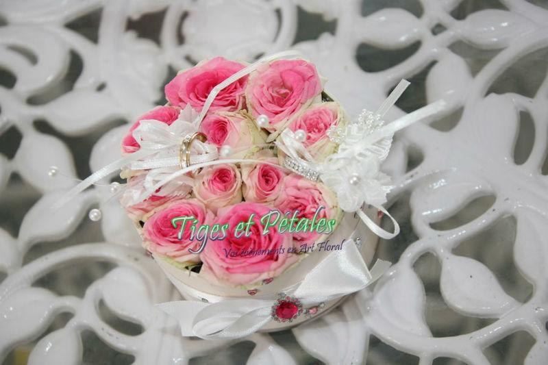 Coussin de fleurs pour alliances - Tiges et Pétales