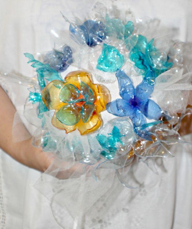 LaCasadiTania: Bouquet realizzato con bottiglie di plastica