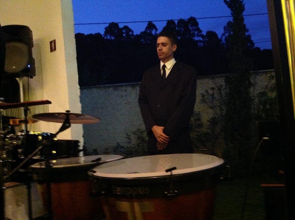 Nosso percussionista André Gono.