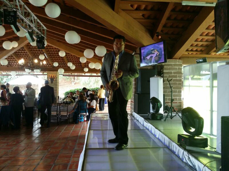 Saxofonista para boda civil
