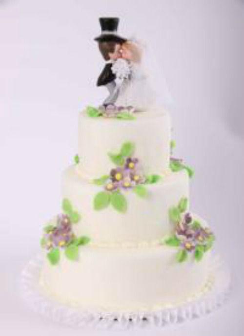 Beispiel: Hochzeitstorte: Frühlingsliebe, Foto: Beck Lyner.