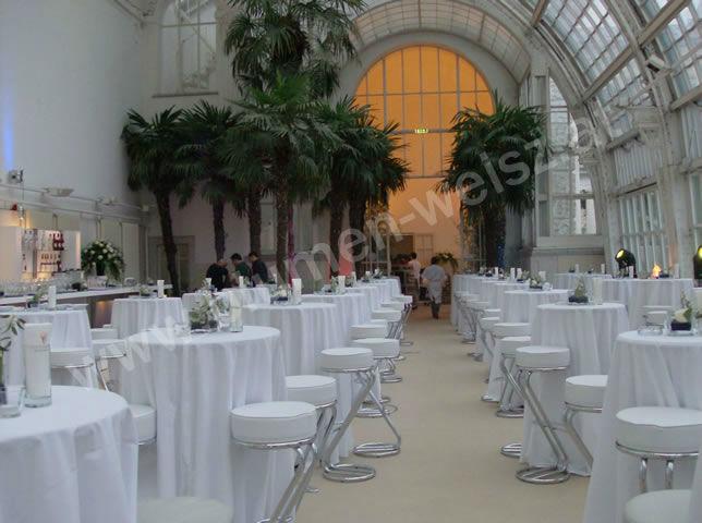 Beispiel: Dekoration für den Hochzeitssaal, Foto: Blumen Weisz.