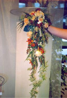 Beispiel: Blumen für Braut, Foto: Blumen Reinhard.