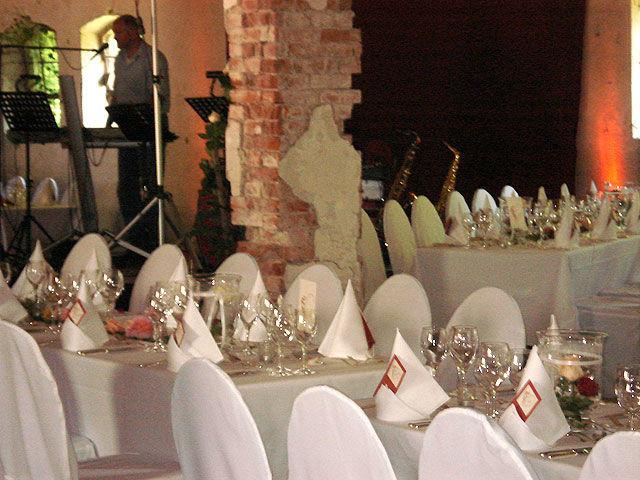 Beispiel:Vermietung von Mobiliar und Besteck, Foto: Stapel - Feines Catering.