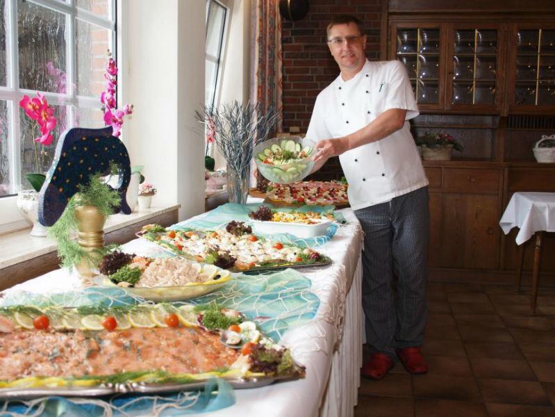 Beispiel: Buffet, Foto: AKZENT Landhaus Heinen.