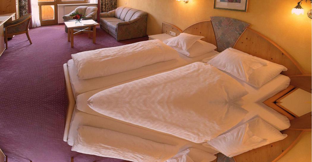 Beispiel: Doppelzimmer, Foto: Restaurant Landgasthof Bogner.