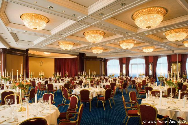 Beispiel: Ballsaal, Foto: www.hohe-duene.de.