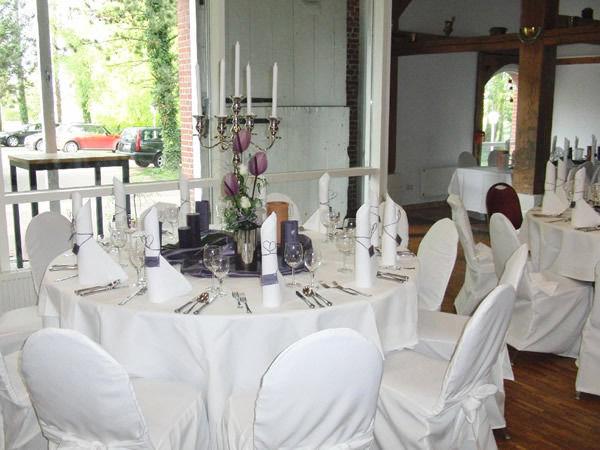 Beispiel: Hochzeitsgedeck, Foto: Gut Schöneworth.