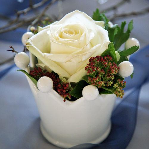 Beispiel: Blumendekoration in weiß, Foto: Feel White.