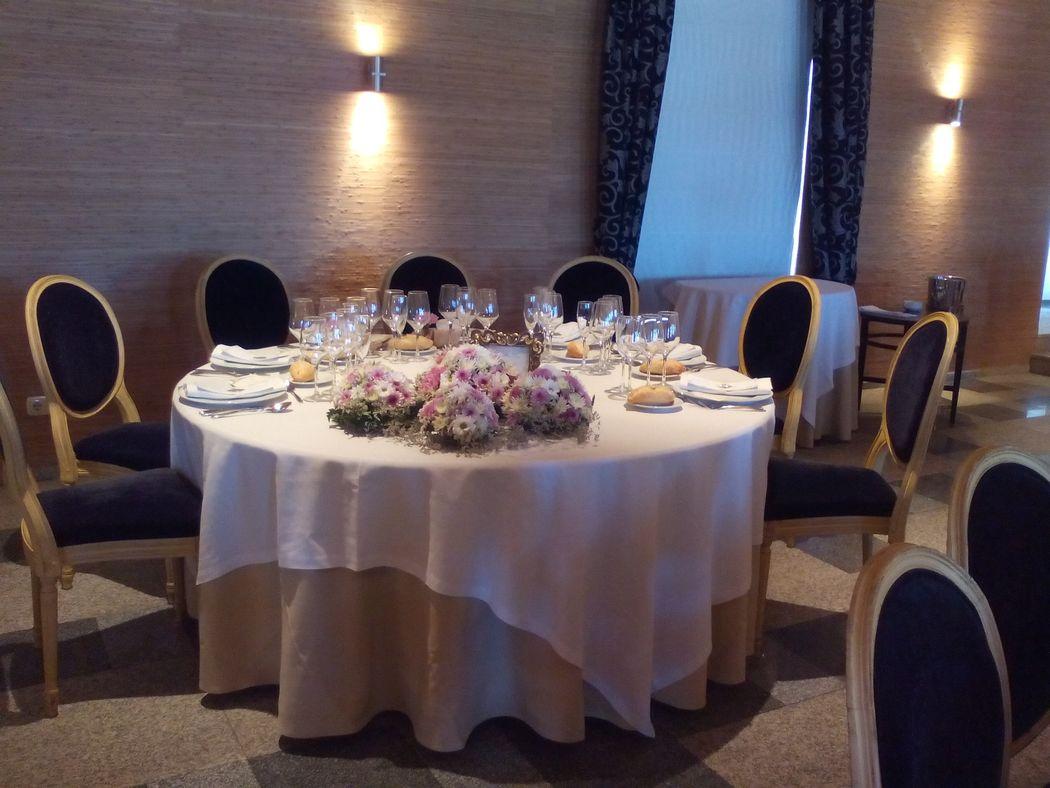 Mesa presidencial Salón Banquetes
