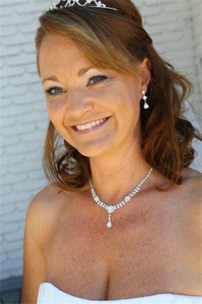 Beispiel: Strahlend schöne Braut, Foto: Anjas Homecut.