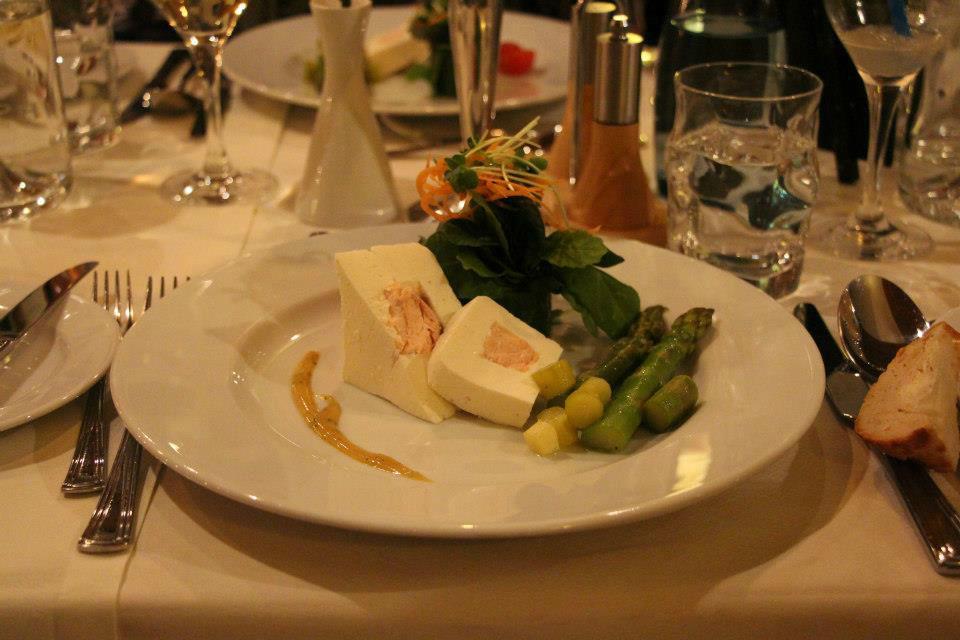 Beispiel: Menü, Foto: AKZENT Brauerei Hotel Hirsch.