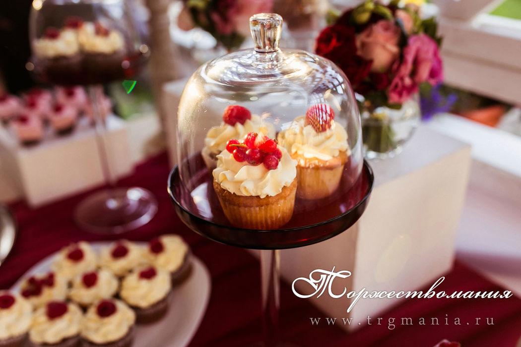 сладкий стол на свадьбу от от студии декора и флористики торжествомания