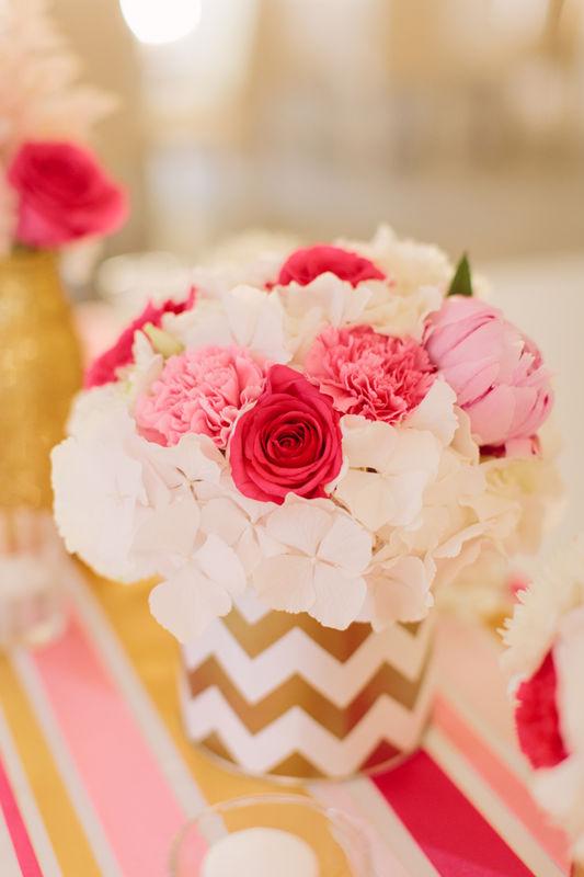 Decoração floral estilo contemporâneo e geométrico
