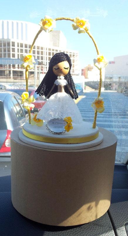 Muñeca tarta comunión personalizada