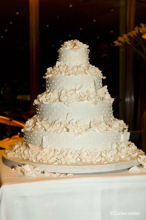 Beispiel: Klassische Hochzeitstorten, Foto: Fabricio Cordeiro Zuckeratelier.