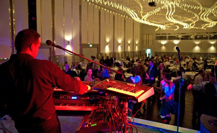 Beispiel: Tanzmusik für jedes Alter, Foto: Dirk Baumbach Live.