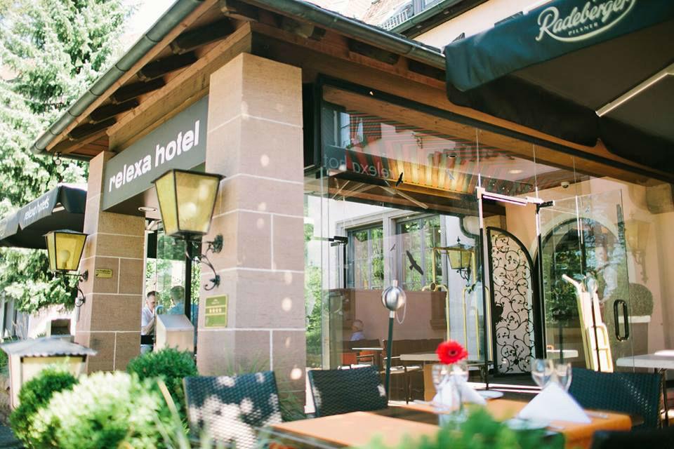 Beispiel: Terrasse, Foto: Relexa Waldhotel Schatten.